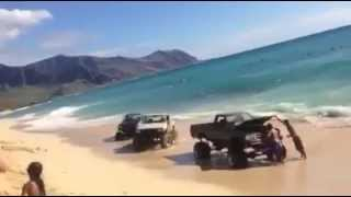 Download !DESTROYED! OCEAN CLAIMS TOYOTA 4X4 PICKUPS!! Video