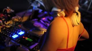 Download Japan famous DJ Izumi djing @Tokyo club Video