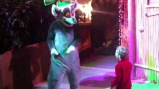 Download The DreamWorks Experience at Gaylord Opryland: Meeting King Julien from Madagascar Video