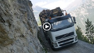 Download DANGEROUS ROAD EXTRÊME LOG TRUCK Bûcheron de l'extrême Video