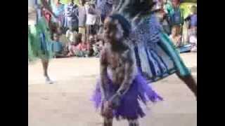 Download Spectacle de danse traditionnelle des habitants de l'île d'Ukerewe en Tanzanie Video