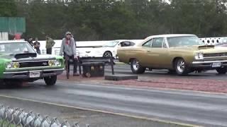 Download 440 Procharged Coronet vs Big Block Stroked Roadrunner Video