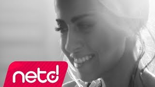 Download Derya Uluğ - Nabız 180 Video
