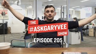 Download Negotiation Strategies, Logo Changes & the Apparel Business | #AskGaryVee Episode 205 Video