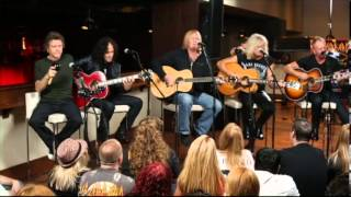 Download Def Leppard - Acoustic Medley Video