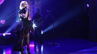 Download RaeLynn Performs 'Love Triangle'! Video