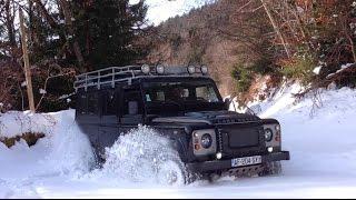 Download Land Rover Defender deep snow climb La Forclaz Savoie jan 2015 Video