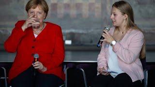 """Download Dehydriert – Merkel nach Zitteranfall: """"Mir geht es sehr gut"""" Video"""