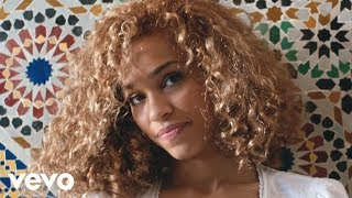 Download Izzy Bizu - White Tiger Video