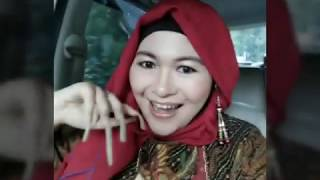 Download Lady long nails from Yogyakarta-INDONESIA Video