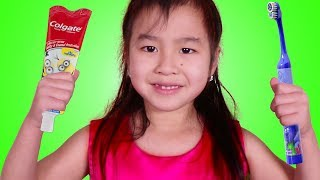Download Jannie Brush Teeth and Play with Princess Birthday Party Toy Set Video
