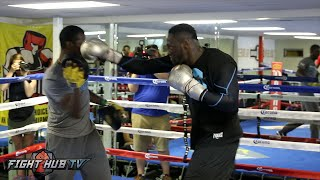 Download Deontay Wilder blasting combinations on the mitts! Complete Media workout video- Wilder vs Arreola Video