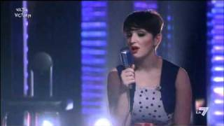 Download VICTOR VICTORIA - Arisa canta 'Viva la vida' dei Coldplay Video