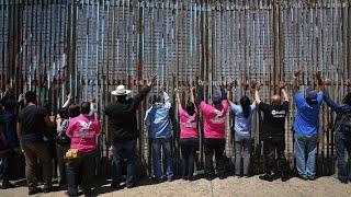 Download Trump threatens shutdown over border 'wall' Video