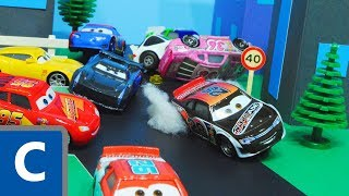 Download Cars 3 : Phil Tankson & Lightning McQueen And Jackson Storm's Piston Cup Race! - StopMotion Video