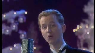 Download Max Raabe - Was will der Mann da, auf der Veranda 1990 Video
