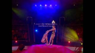 Download Zunyi acrobatic Troupe. Групповой эквилибр Video