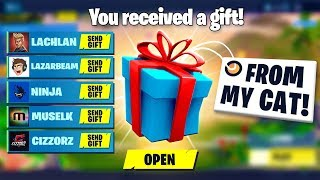 Download GIFTING Fortnite STREAMERS Skins FROM MY CAT! Video