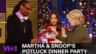 Download Jamie Chung Brings Snoop Dogg A Gift 'Sneak Peek' | Martha & Snoop's Potluck Dinner Party Video