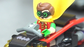 Download This Epic LEGO Batmobile is Four Separate Bat-Vehicles in One - Toy Fair 2017 Video
