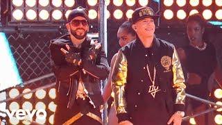Download Yandel - Moviendo Caderas (En Vivo) ft. Daddy Yankee Video