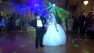 Download Śmieszny pierwszy taniec najlepszy hit 2011 Pierwszy taniec. Ślub Wesele Opole Wrocław PSTRYK Video