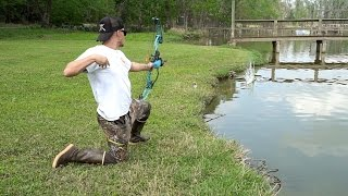 Download Bowfishing for Carp in Texas + Bass Fishing!! Video