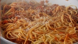 Download Spaghetti Bolognese - Mad Hungry with Lucinda Scala Quinn Video