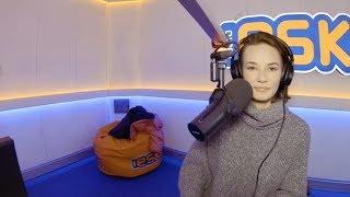 Download Natalia Szroeder śpiewa po tajsku w Radio Eska Video
