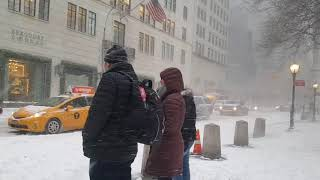 Download FIRST SNOW DAY OF 2018 NYC JAN-04 Video