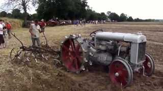 Download Fordson at work Video