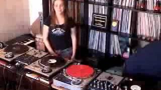 Download DJs Killa-Jewel & Praiz of the 12″ Spinners Crew Video