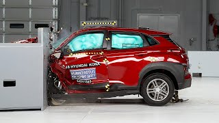 Download 2018 Hyundai Kona driver-side small overlap IIHS crash test Video