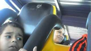 Download Criança de oito anos desesperada na montanha Russa - Beto Carrero Video