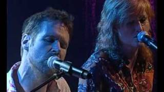 Download Liam O'Maonlai & Eddi Reader - Across The Universe Video
