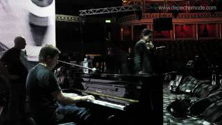 Download ″Somebody″ (Soundcheck with Alan Wilder and Martin L. Gore) Video