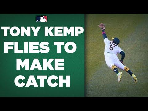 Tony Kemp does best SUPERMAN impression to make SENSATIONAL catch!