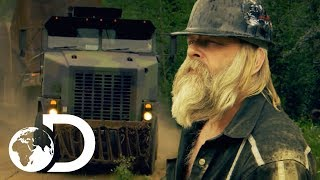 Download Gold Rush | SEASON 8 | Tony Beets' 40 Tonne Truck Gets Stranded on the Mountain Video