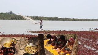 Download Fishing in Sea and Cooking Eating In the Forest / Delicious Fish Curry In the Jungle. Video