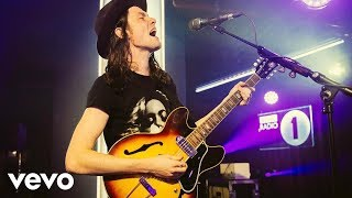 Download James Bay - Hymn For The Weekend (Coldplay cover in the Live Lounge) Video