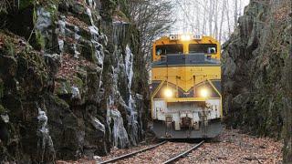 Download Vermont Railway SD70s through the Green Mountains Video