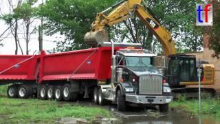 Download Kenworth Tipper Trailer Truck in Action, Detroit, USA, 08/15/2016. Video