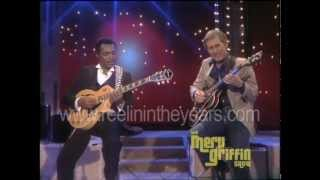 Download Chet Atkins & George Benson- ″Help Me Make It Through The Night″ (Merv Griffin Show 1984) Video