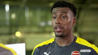 Download Arsenal and Chelsea players play Heads Up Video