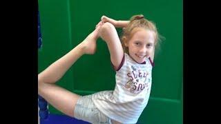 Download TYLER LEVINE ADVENTURE FOR KIDS! RAIN DAY INDOOR GYMNASTICS! SUPER SEVEN! Video