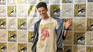 Download ⚡ The Flash Cast | Funny Moments & SDCC 2016 ⚡ Video