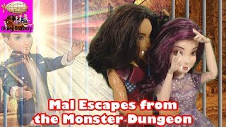 Download Vampire Mal Escapes from the Dungeon - Part 18 - Vampires Moana Descendants Disney Video