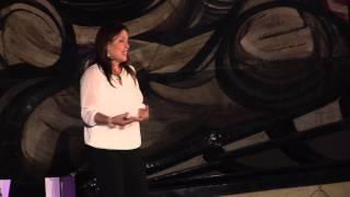 Download Una visión incluyente en la familia | Marcela Mondragón | TEDxDelValle Video