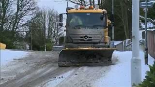 Download Severe snow storm puts Scotland on red alert Video