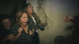 Download Average Andy, Chrissy Teigen and Her Mom Go Through a Haunted House Video